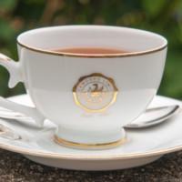 В такой красивой чашке можно попробовать местный чай