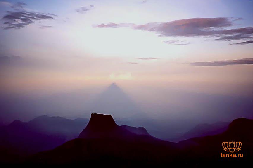 Пик Адама. Треугольная тень