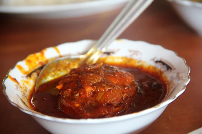Рыбное карри с перцем чили