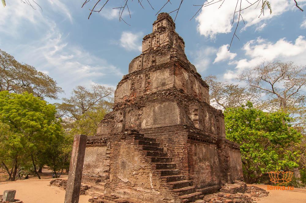 Сатмахал Прасада, Полоннарува (Satmahal Prasada, Polonnaruwa)