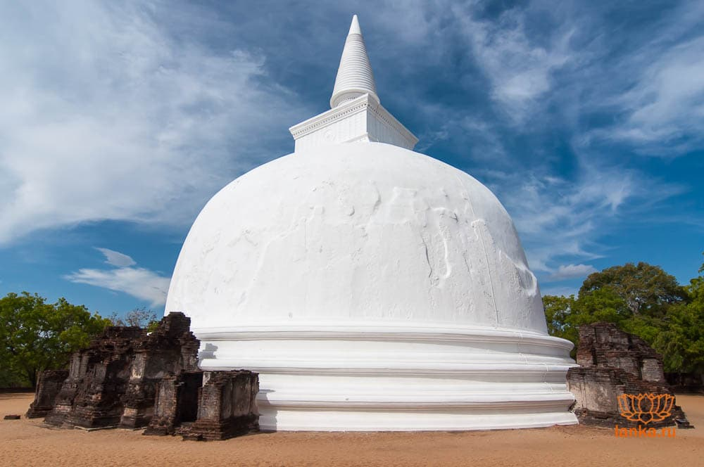 Кири Вихара, Полоннарува (Kiri Vihara, Polonnaruwa)