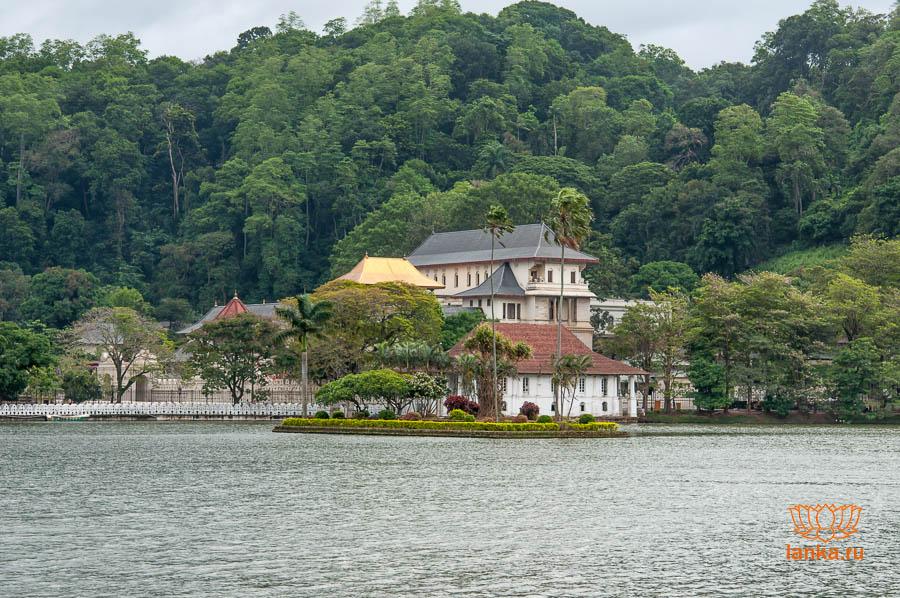 Канди. Храм зуба Будды