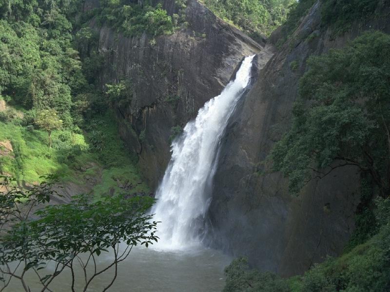 Дунхинда (Dunhinda Falls)