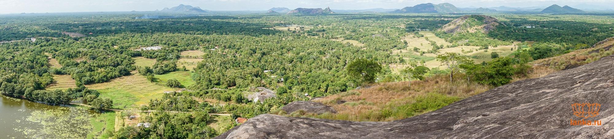 Панорама со скалы Япахува (Yapahuwa)