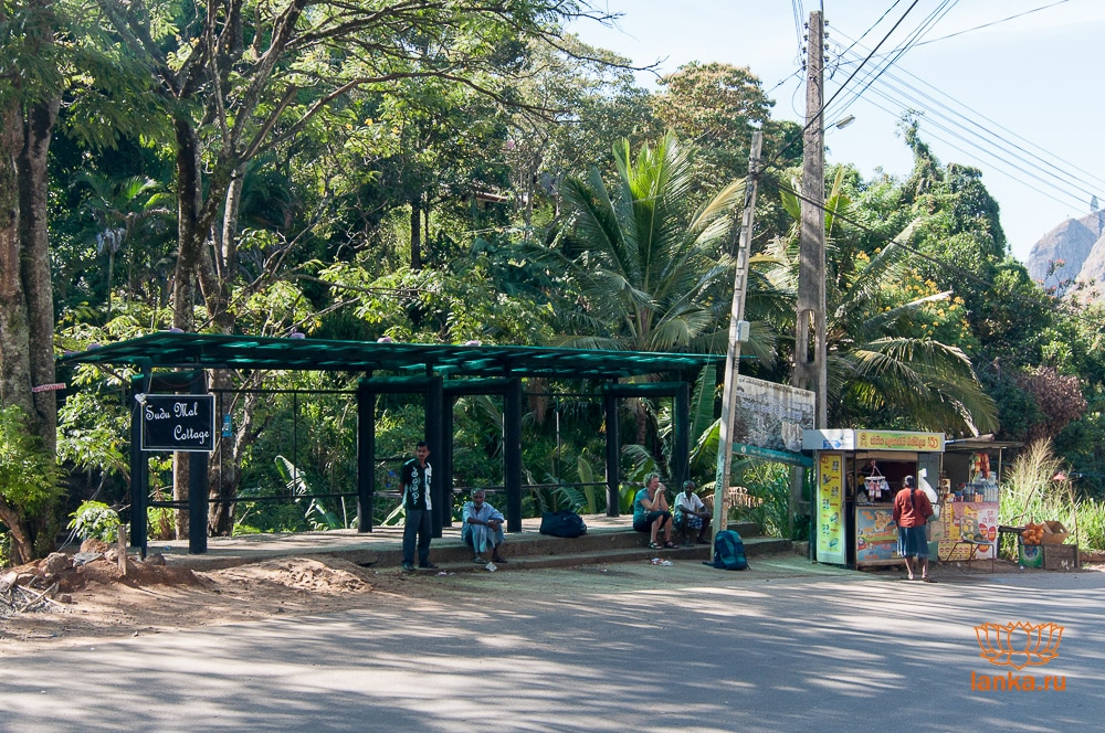Автобусная остановка в Элле