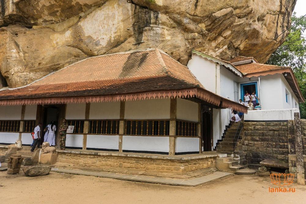 Главный храм Риди Вихары