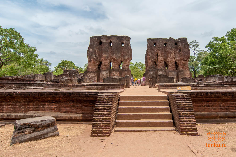 Королевский дворец Паракрамабаху, Полоннарува (Royal Palace of Parakramabahu, Polonnaruwa)