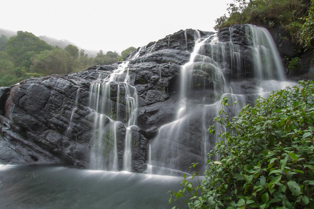 Десять красивейших водопадов Шри-Ланки
