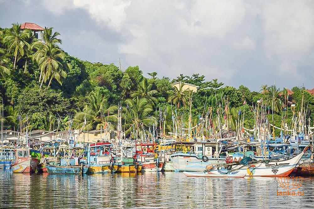 Порт в Мириссе